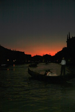 Anocheciendo neel Gran Canal